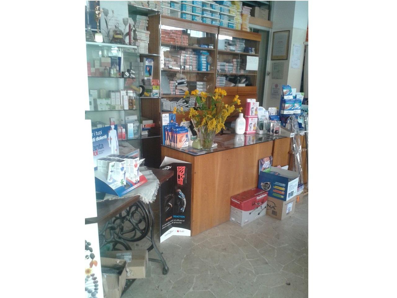 Erboristeria – Articoli ortopedici – igienico – sanitari